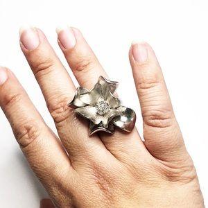 Premier Designs Silver Flower Cocktail Ring